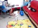 【梓睿】【1岁1个月】玩羽毛球拍