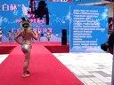 易欣彦2013新丝路国际少儿博彩真人娱乐泳装展示视频