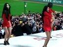 韩国棒球赛后女拉拉队即兴跳舞 台下宅男屌丝表情好猥琐啊