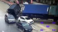 【事故警世钟】大胆子的电动车别汽车 导致车主发生严重交通事故156期