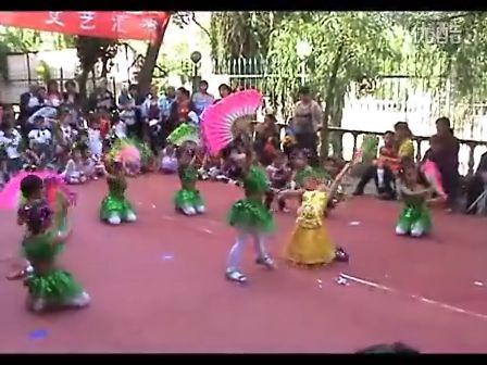 幼儿园学前班女生集体舞蹈
