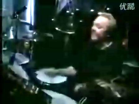 摇滚   乐队    吉他   架子鼓    贝司