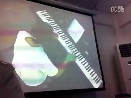 边疆的泉水清又纯 学生刘丽娟 镁甄钢琴即兴伴