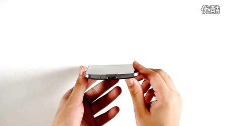三星曲面柔性屏手機Galaxy Round開箱:配兩塊電池