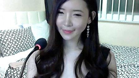 2013韩国美女主播制服诱惑