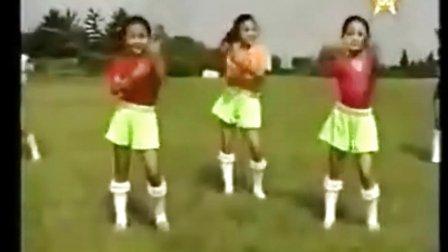 朝鲜儿童教你体操的正确做法