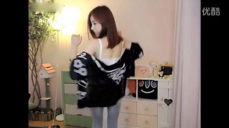 韩国性感漂亮女主播热舞相敏