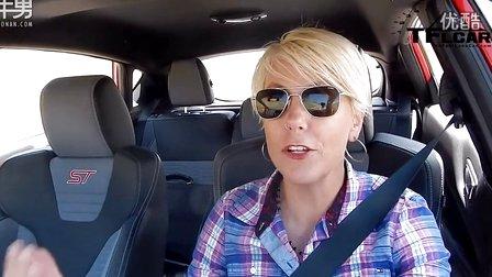 美女试驾2014款福特嘉年华st高清图片