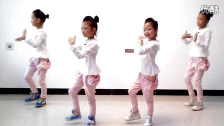 儿童广场舞 小苹果 –