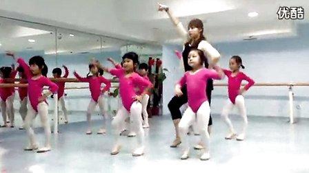 幼儿小苹果舞蹈教师教学