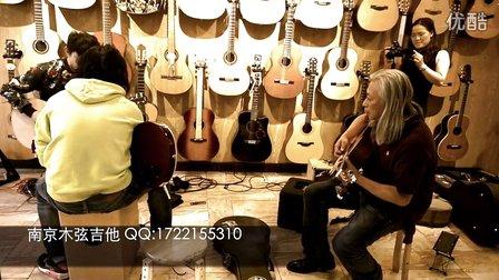 法国Gomans吉他创始人Tak Chan在南京木弦吉他与乐手即兴加州旅馆