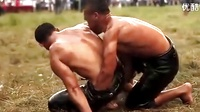 好奇葩!土耳其橄榄油摔跤