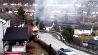 汽车着火后,消防员赶来救火,结果。。。