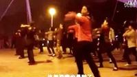 邓紫棋《喜欢你》走进广场舞,大妈们舞步节奏抓的真好