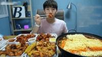大胃王奔馳小哥一頓飯吃4盤炸雞和4袋煮泡面, 你能吃這么多嗎?