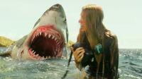 小柒说电影:3分钟看妹子如何勇斗鲨鱼,如何从鲨鱼口中逃生