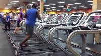【發現最熱視頻】跑步機上跳舞!想必這樣可能會瘦得更快