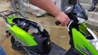 五羊本田電動摩托車~凈原S3防水測試。